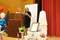 En Nueva York Cecilia Morel recibió donación de equipos computacionales para escuela de Montegrande