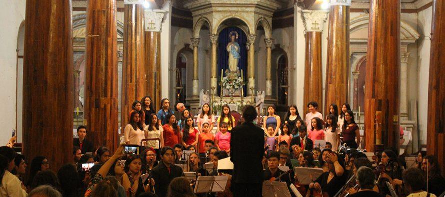 Orquestas deleitaron al público vicuñense con lo mejor de su repertorio en Festival de primavera FOJI