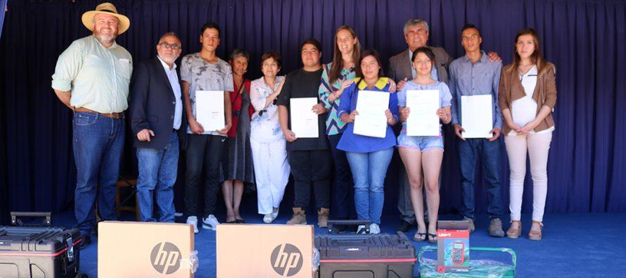 Fondo ORASMI benefició a 5 estudiantes egresados de liceo municipal de Vicuña
