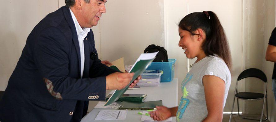 Vecinos de la Villa San Rafael de Vicuña firmaron las escrituras de sus viviendas