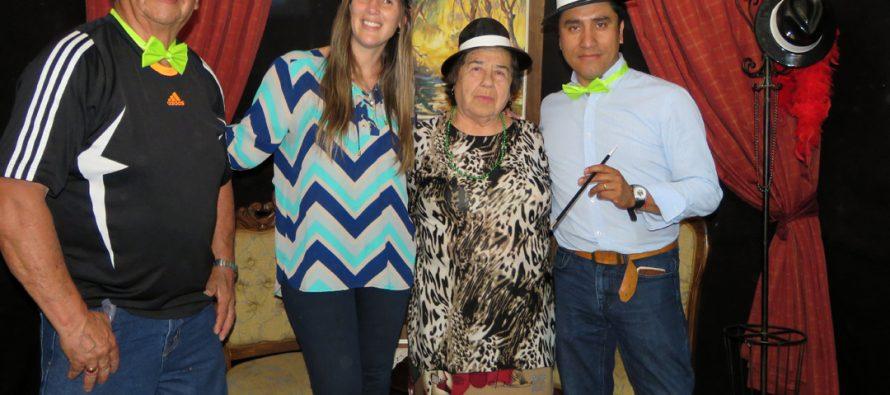 Paihuano cerró el mes del Adulto Mayor con baile al estilo de los años 20