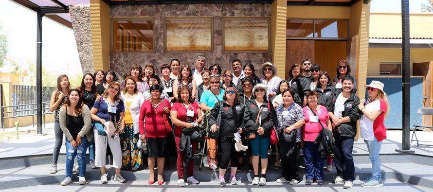 """Vecinos de Villa Alemana visitaron Vicuña para conocer la experiencia de """"Quiero Mi Barrio"""""""