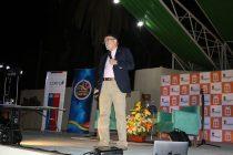 Astrónomo José Maza deleitó al público en Vicuña con charla sobre  Marte y reflexiones en educación
