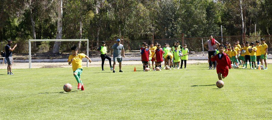 Preparador Físico de Colo Colo realizó clínica deportiva junto a niños y deportistas de Vicuña