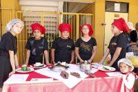 Escuela Lucila Godoy Alcayaga de Vicuña vivió su primera feria gastronómica