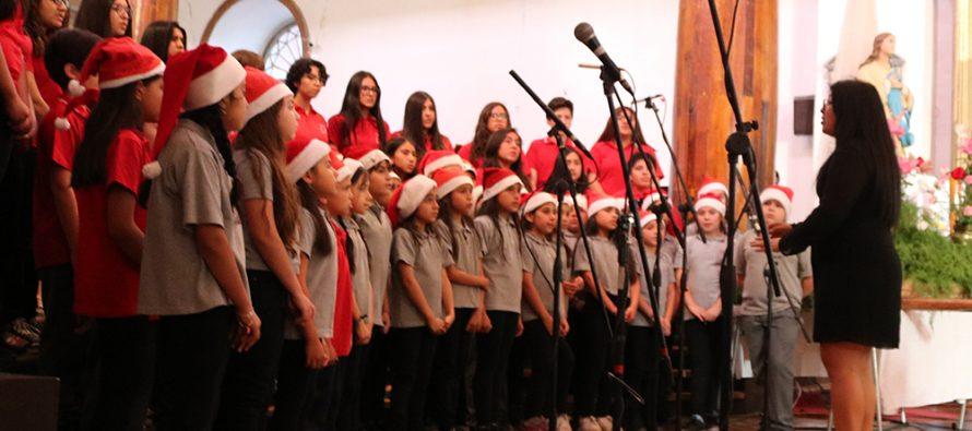 Estudiantes del colegio Antonio Varas deleitan con su concierto de Navidad en Vicuña