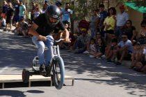 Centenares de asistentes llegaron a Villaseca a vivir una nueva carrera de Los Carros Locos
