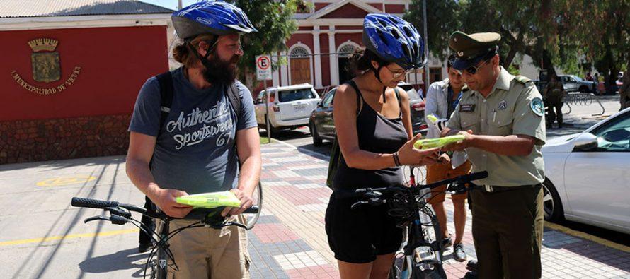 Entregan chalecos reflectantes de forma gratuita a los ciclistas de Vicuña