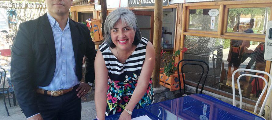 Municipio de Paihuano se compromete a brindar nuevos espacios de comercialización para emprendedoras
