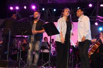 Vicuña vivió un nostálgico e inolvidable concierto de los 80 con la orquesta sinfónica ULS