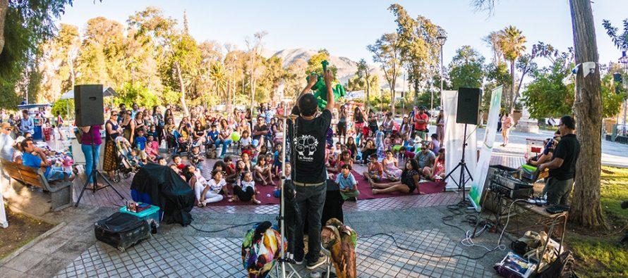 """En Vicuña compañía de títeres La Boda entretiene a público infantil en programa """"Plaza Cultural"""""""