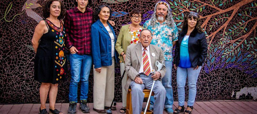 En tertulia literaria escritores del centro cultural y artístico Elquialmar de Vicuña compartieron sus poemas