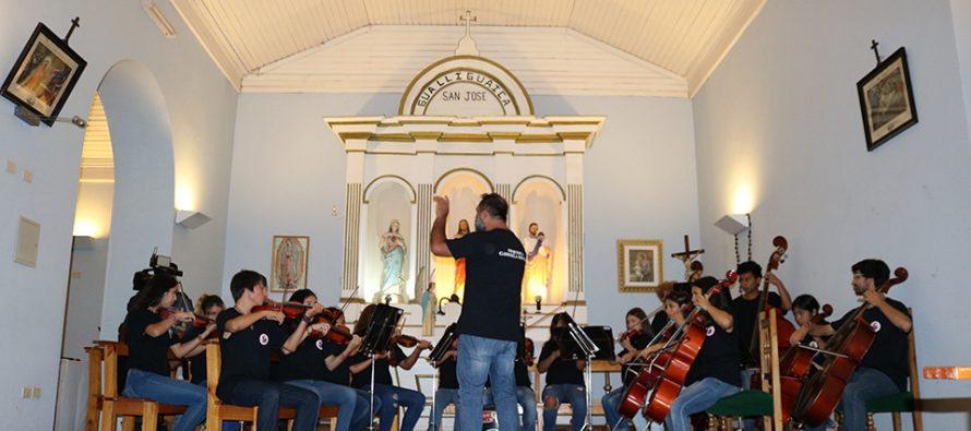 Orquesta Gabriela Mistral ha recorrido la comuna de Vicuña deleitando a diversos espectadores