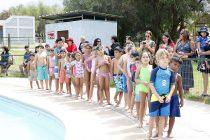 Más de 70 niños aprendieron a nadar gracias a cursos gratuitos de natación en Vicuña