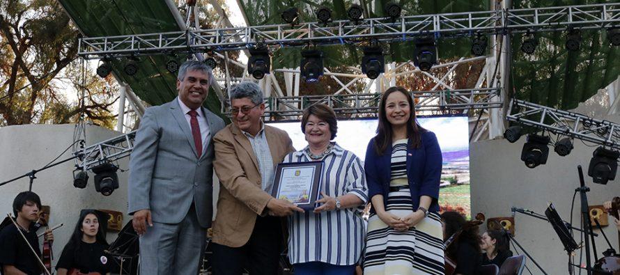 Con más de 30 años de trayectoria reconocen la labor del funcionario municipal de Vicuña Juan Pinto