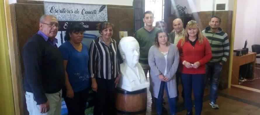 Gabriela Mistral es recibida por escritores de Caucete