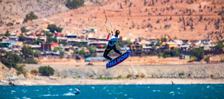 """9.9 metros logró elevarse la kitesurfista chilena Andrea Mery convirtiendo  el """"Kite Girl Day 2019"""" en todo un espectáculo sudamericano"""