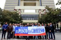 Con apoyo de Cooperativa Capel ingresan proyecto que prohíbe ingreso de aguardiente peruano a Chile