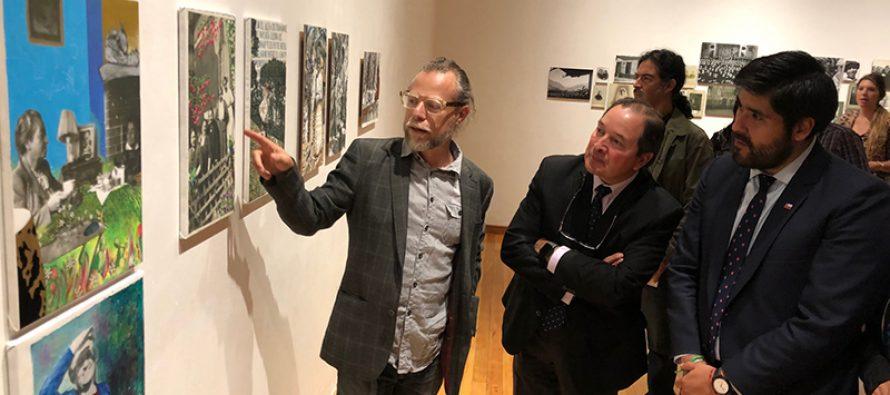 """Exposición fotográfica  """"Gabriela  imagen  de vida""""  aborda la trayectoria de la poeta desde la mirada de artistas y niños de la región"""