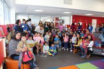 Párvulos de El Arenal celebran el Día del Libro en la Biblioteca Gabriela Mistral