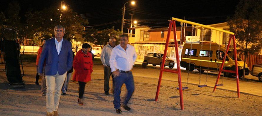 Elquinos cuentan con una remodelada plaza en las poblaciones Aguas de Elqui y Rio Turbio