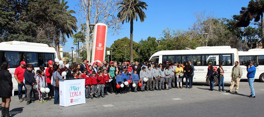 Colegios rurales de La Serena reciben 4 buses para el traslado de sus estudiantes