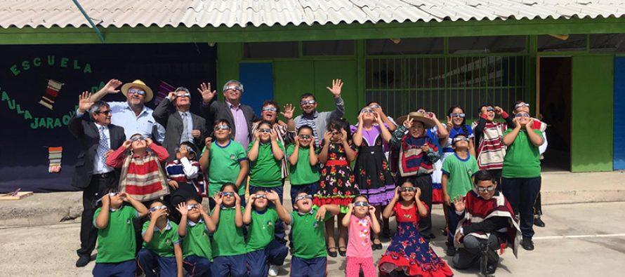 15 mil lentes para el eclipse solar se repartirán a los estudiantes y adultos mayores en Vicuña