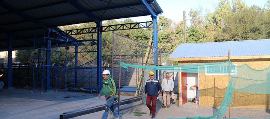 Alrededor de 60 millones de pesos se invierten en techumbre de la multicancha de Rivadavia