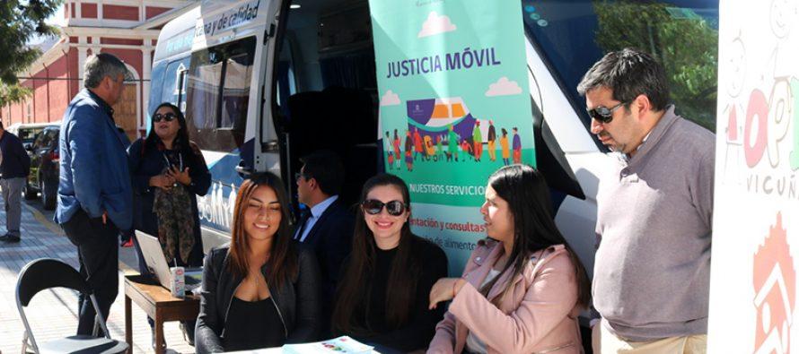 Bus de la Justicia visitó Vicuña llevando a cabo una plaza ciudadana con otros servicios