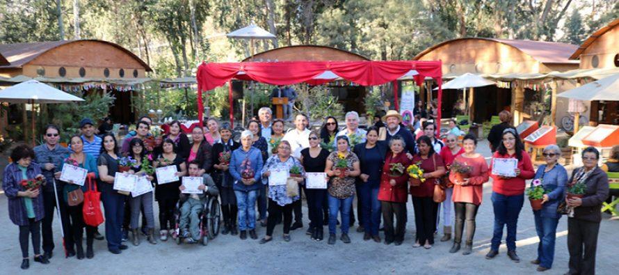 Personas en situación de discapacidad son certificados en el rubro de la jardinería