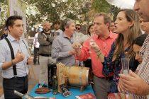 Paihuano busca superar su récord del pisco sour más grande del mundo