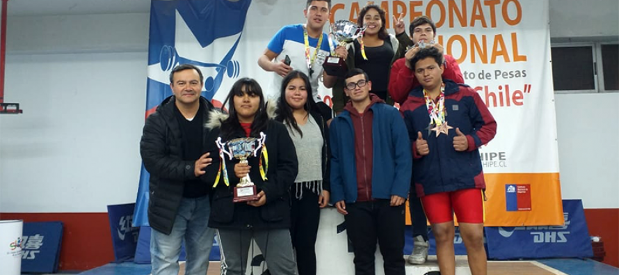 Vicuñenses se consagran en Campeonato Nacional de Pesas sub 15 y sub 17