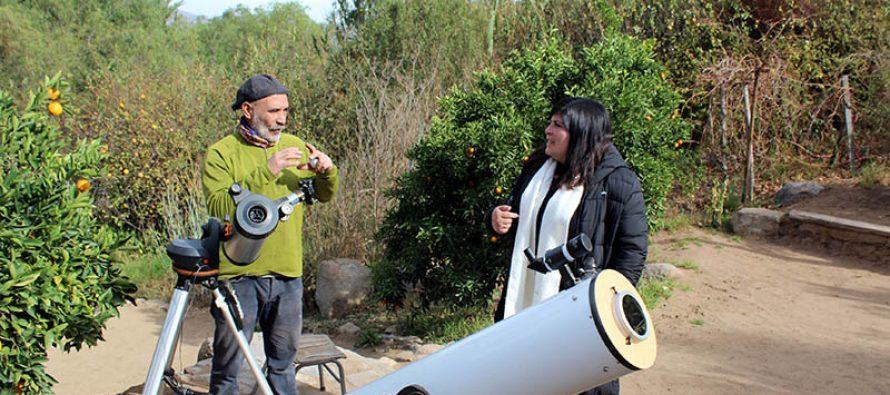 Emprendedor de Diaguitas ofrece observación astronómica guiada a cielo abierto para el eclipse