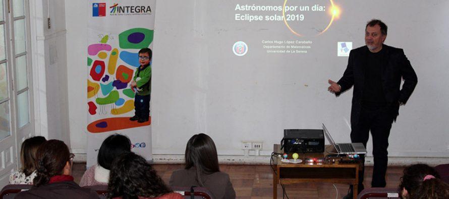 Educadoras de párvulos se capacitan en Astronomía con miras al eclipse
