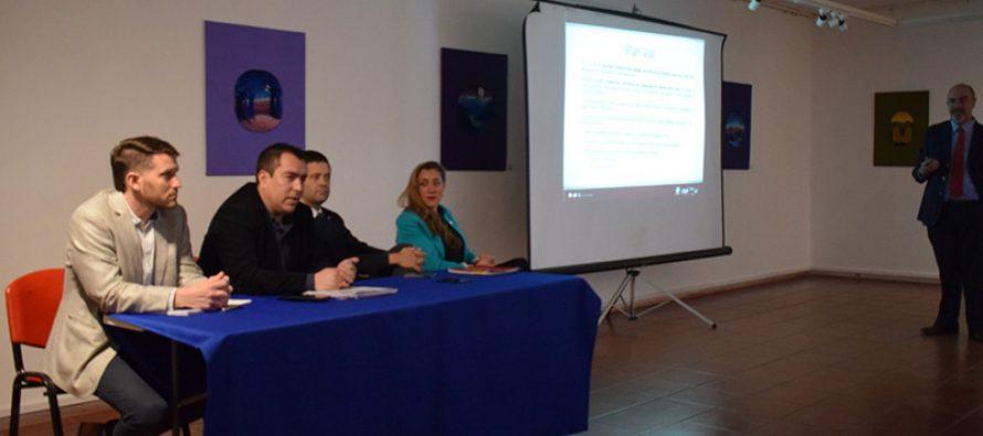 Gobierno Regional realizó charla en Vicuña sobre medidas para el eclipse total de sol