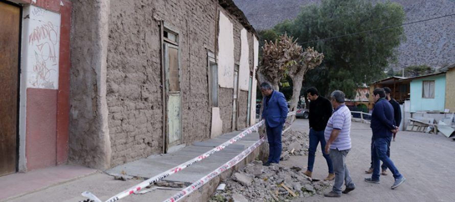 Vecinos de Rivadavia pavimentan veredas gracias a subvención municipal y su propia organización