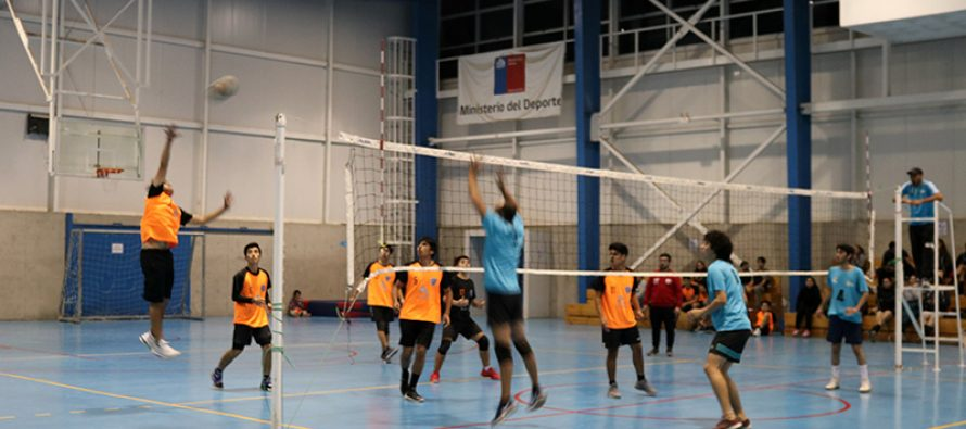 Skat y CDA se quedaron con una liga de voleibol en la comuna de Vicuña