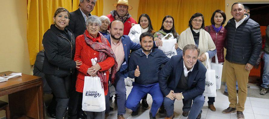 60 vecinos de la ciudad de Vicuña se vieron beneficiados con la entrega de kit de ahorro