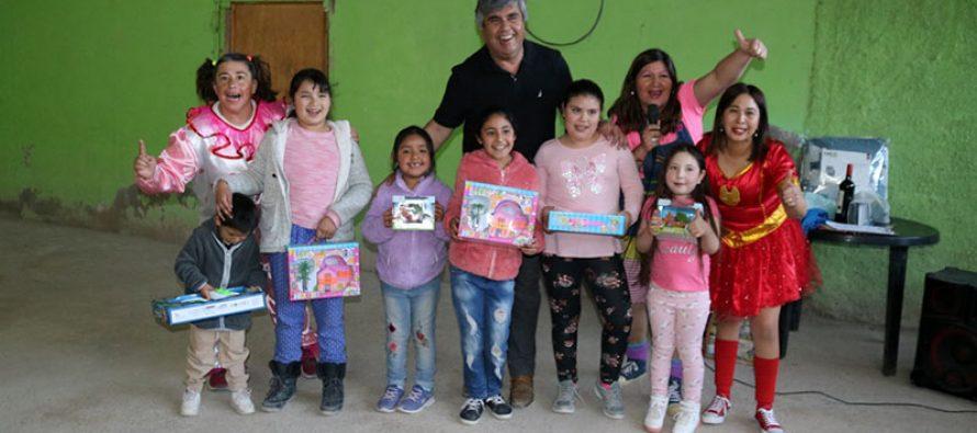Niños de Chapilca celebran su día con apoyo de vecinos y el municipio