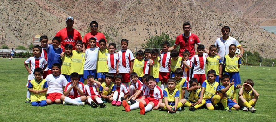 Escuela Comunal de Fútbol de Paihuano prepara primera gira deportiva a Argentina