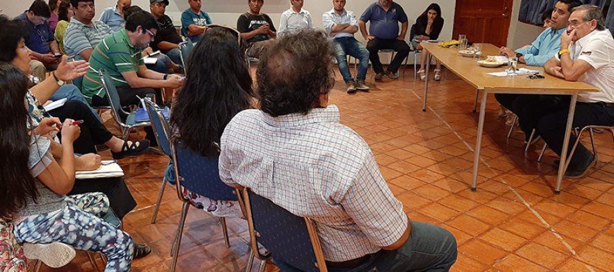 Alcaldes posponen la consulta ciudadana luego de acuerdo parlamentario