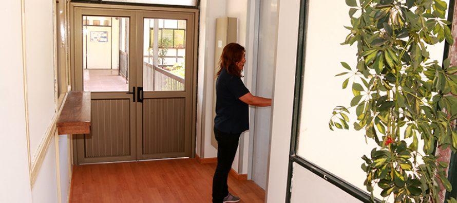 Municipio de Vicuña cuenta con nuevo sistema de ascensor y conexión de sus dos edificios