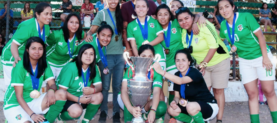 """CD Unión Esperanza de El Tambo se quedó con la copa de las """"súper campeonas 2019"""""""
