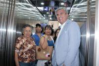 Con mucha alegría vecinos de Vicuña comenzaron a utilizar el nuevo ascensor
