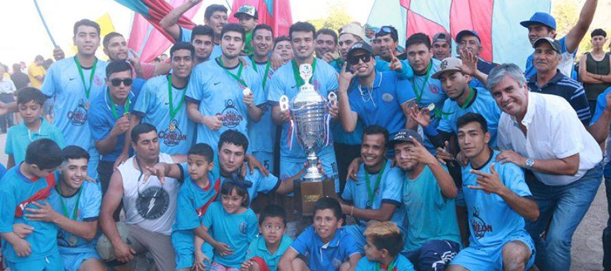 Luego de tres décadas el CD Unión Miraflores vuelve a levantar la copa de campeón del ANFA