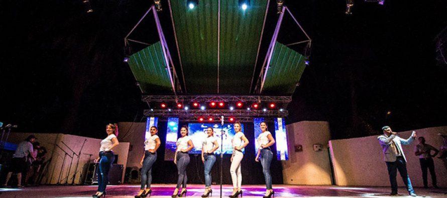 Tito Beltrán y dúo Il Sogno deslumbraron al público en show de presentación de candidatas a reina