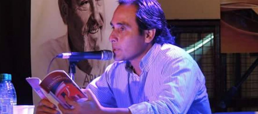 Escritor argentino fue el ganador del Premio Hispanoamericano de Poesía Gabriela Mistral
