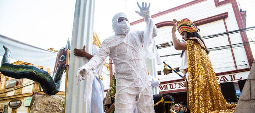 Corso de Flores congregó a miles de turistas y elquinos en clausura del Carnaval elquino 2020