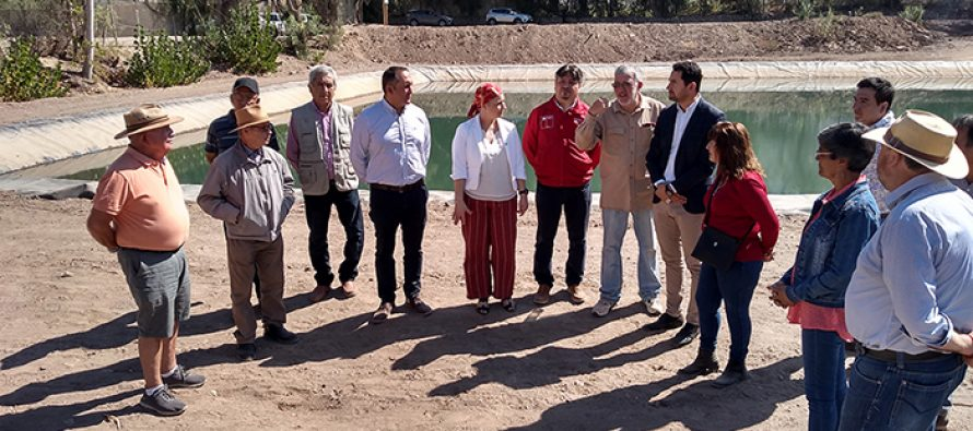 """Autoridades inauguran renovado estanque del canal """"Villa o Partera"""" en sector La Viñita"""