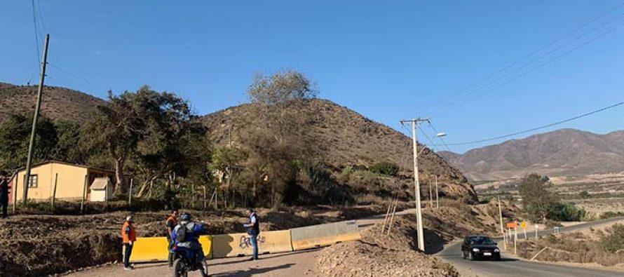 Bloquean accesos alternativos al valle de Elqui para evitar acceso de turistas